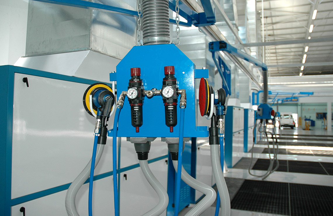 Double workstation, comprising of 220v power, regulated air supply, and vacuum for dry flattening