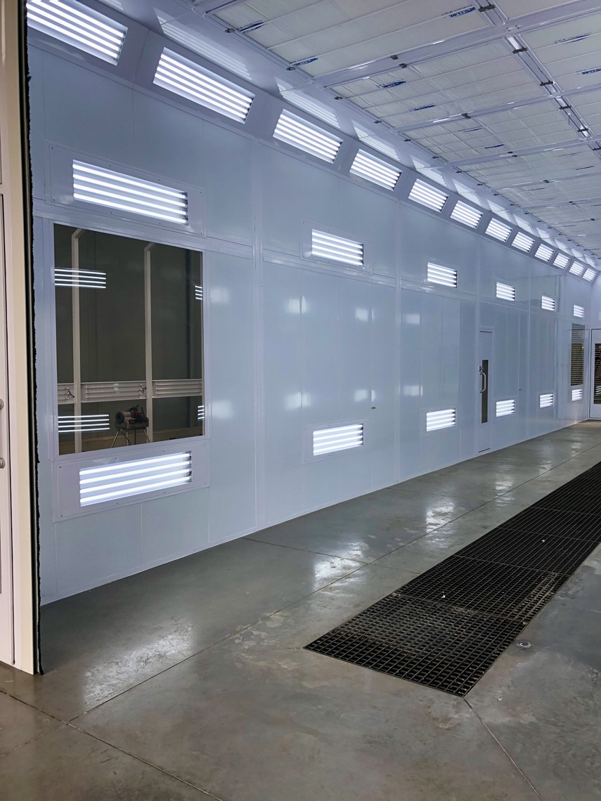 Truck Spraybooth with LED lighting